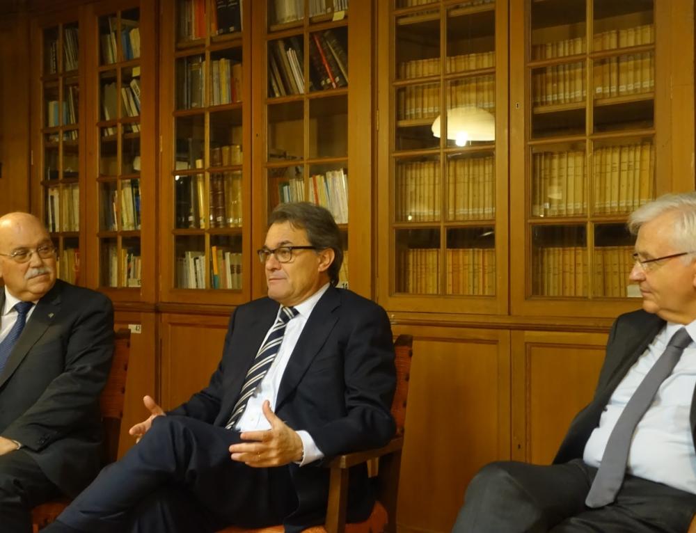 L' expresident Artur Mas visita el Cercle